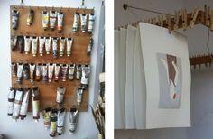 suspendre affiches ou tubes de peinture avec des pinces