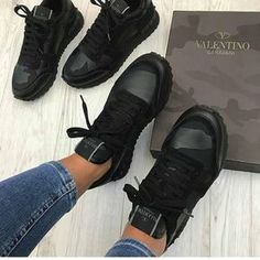check out 11725 1616d Valentino trainers Chaussures Femme, Chaussures Valentino, Chaussures De  Marque, Sac Chanel, Chaussure