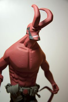 "Classics second bomb! Mike Mignola Edition 1/6 Scale ""Hellboy"" statue Second Edition 