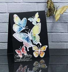 Teaching you how to make handmade greeting cards with rubberstamps. Handmade Greetings, Greeting Cards Handmade, Bee Cards, Cards Diy, Bee On Flower, Butterfly Crafts, Card Making Tutorials, Die Cut Cards, Get Well Cards