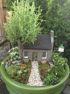 Beautiful fairy garden plants ideas for around your side home 45 - Fairies want you to be happy. It's quite simple to learn how to earn a fairy garden. Every fairy garden wants a house for those fairies.I like the simple design for a slab clay house Indoor Fairy Gardens, Fairy Garden Plants, Mini Fairy Garden, Garden Terrarium, Fairy Garden Houses, Diy Garden, Gnome Garden, Garden Cottage, Miniature Fairy Gardens