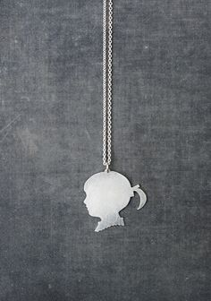 WSAKE silhouette charm necklace