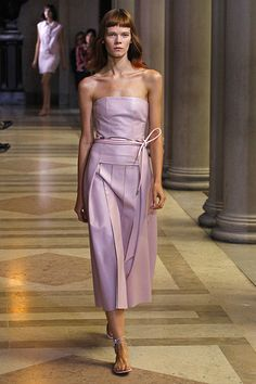 New York Fashion Week: Carolina Herrera: 'la vie en rose'