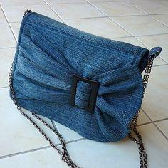 Models of old jeans DIY Bag and Purse Diy Jeans, Diy Denim Purse, Artisanats Denim, Sacs Tote Bags, Blue Jean Purses, Denim Ideas, Denim Crafts, Patchwork Bags, Patchwork Quilting