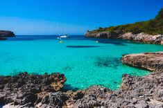 7 Beaches that will make you want to visit Menorca Menorca, Best Beaches To Visit, Balearic Islands, Turquoise Water, Places To Go, Spain, Outdoor, Travel Europe, Natural Swimming Pools