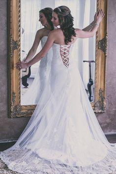 #weddinggown #weddingphotography #castlewedding #thesterlingcastle #southernwedding #alabamaweddingvenue