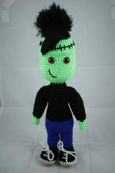 Vote for Frankie Stein, the zombie  by uni-que-orn - http://www.amigurumipatterns.net/designcontest/vote/?id=967 - Frankie Stein is quite a normal teenage girl - apart from being a zombie of course. At monster high school in Zurich she is not the smartest but very popular and liked.