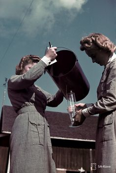 Helsinki, Air Raid, Warrior Women, Helfer, World War Two, Armed Forces, Finland, Wwii, Statue
