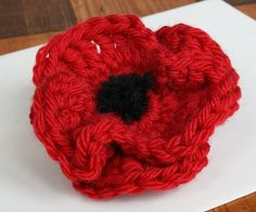 Poppy Brooch Originally uploaded by kittyboo crochet A close up of the poppy. I recommend the yarn (Rowan Cashsoft) - lovely and soft and really easy to use. Crochet Poppy, Knit Or Crochet, Crochet Crafts, Crochet Flowers, Crochet Hooks, Crochet Projects, Diy Crafts, Crochet Ideas, Fundraising Crafts