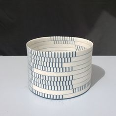 Synkope. Porcelain vessel, slapbuild. Made by danish ceramics designer Lotte Westphael.