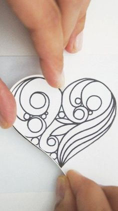 Creating A Quilled Outline · Extract from Quilling Art by Sena Runa · How To Make A Papercraft Neli Quilling, Paper Quilling Cards, Quilling Letters, Quilling Work, Quilled Paper Art, Paper Quilling Designs, Quilling Paper Craft, Quilled Roses, Paper Crafting
