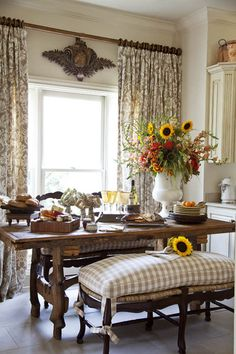 Nancy Nolan Photography | Country French Dining Room