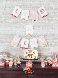 Such an adorable baby shower--printables for everything you'll need! Foxes and Flowers Baby Shower