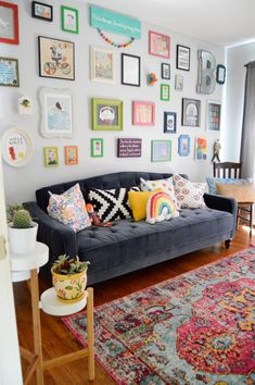 An eclectic living room with nuLOOM's Vintage Corbett!