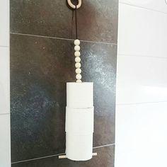 Godmorgon Måndag ♡ Vad tycker ni om vår unika toalettrullehållare? Ni hittar den ➡ www.designbysh.se #designbysh#badrum#badrumsinspo#badrumsinredning#toalett#inredning#inredningsdetaljer#inredningsbutik#gävle#inredningsdesign#interiorwarrior#finahem#nordiskdesign#nordiskahem#interior#interiör#interiors#interior4u#interior4you#mitthem#instahome#home#inspo#detaljer#interior4all