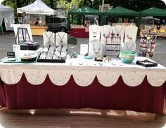 Great set up and table cloth on this craft show display