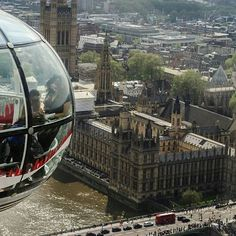 #londoneye #london #uk #england #bigben #photografers #photooftheday #picoftheday #tower #clock #river #thames #thamesriver #travelphoto #traveltheglobe #travel #tourism #panorama #sightseeing #view #city #europe #tourist #bridge #buildings