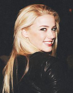 Amber Heard Pretty People, Beautiful People, Face Hair, Amber Heard, Pretty Makeup, Celebs, Celebrities, Beauty Queens, Pretty Hairstyles