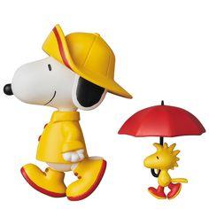 Medicom Toy Ultra Detail Figure Peanuts 7 Rain Coat Snoopy & Woodstock Japan for sale online Stylish Raincoats, Raincoats For Women, Raincoat Outfit, Mens Raincoat, Charlie Brown Und Snoopy, Snoopy Und Woodstock, Snoopy Pictures, Snoopy Quotes, Arte Disney