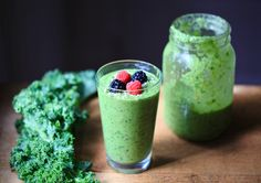 Your go-to creamy vegan green smoothie for a healthy boost! Healthy Breakfast Smoothies, Vegan Smoothies, Smoothie Drinks, Fruit Smoothies, Healthy Breakfasts, Veggie Recipes, Snack Recipes, Healthy Recipes, Veggie Food