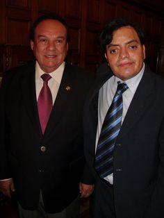 Con el Congresista Luis Alva Castro. (2010)