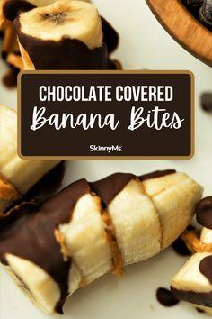 Chocolate Covered Banana Bites Banana Treats, Banana Snacks, Banana Bites, Banana Recipes, Snack Recipes, Clean Eating Slow Cooker Recipe, Clean Eating Snacks, Snacks To Make, Easy Snacks