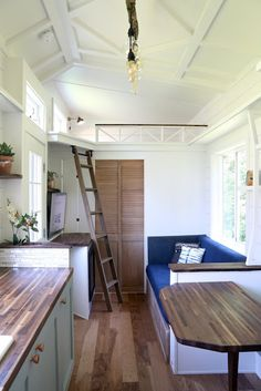 This is the Pacific Pioneer, the latest tiny house build by Handcrafted Movement in Battleground, Washington. The x THOW is currently for sale and boy, is it stunning! This model feat… Tiny Houses For Sale, Tiny House On Wheels, Mini Houses, Miniature Houses, Medan, Tiny Living, Home And Living, Living Area, Living Room