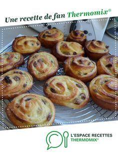 Petits pains aux raisins par malou46. Une recette de fan à retrouver dans la catégorie Pains & Viennoiseries sur www.espace-recettes.fr, de Thermomix®.