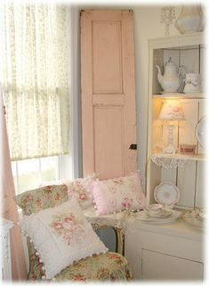 I want my little girl to have a shabby chic room like this. I hate tacky girl decor!