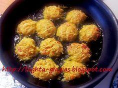 Πατατοκεφτέδες - από «Τα φαγητά της γιαγιάς» Potatoes, Meat, Chicken, Ethnic Recipes, Food, Potato, Essen, Meals, Yemek