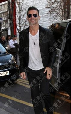 Dave Gahan - Paris Airport Oct. 2012