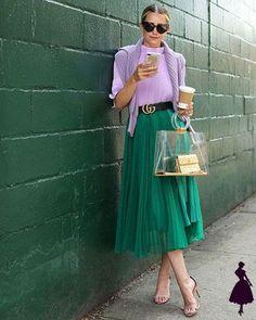 7c22a45e95 Falda Midi  20 looks para que saques inspiración y verte increíble. Faldas  Largas PlisadasFaldas ...