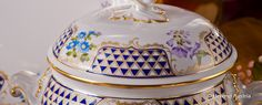 Soup Tureen - Mosaic and Flowers Decor - Herend Porcelain Dinner Set Mosaic Flowers, Dinner Sets, Tea Sets, Flower Decorations, Porcelain, Soup, Blue And White, Floral Decorations, Flower Decoration