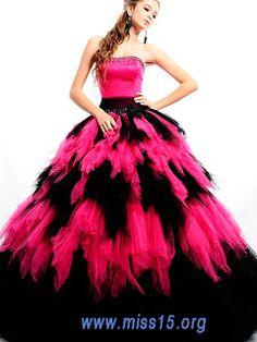 http://www.quinceanerasblog.com/2012/09/vestidos-de-15-anos.html    pink