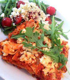 Lasagne ist eines der beliebtesten Pastagerichte - leider auch eines der kalorienreichsten. Ich ersetze das Hackfleisch einfach durch Möhren. Eine sehr leckere Variante und wie bei der Pizza ein to...
