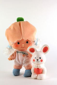 Strawberry Shortcake - Apricot with Hopsalot Bunny! She was my favorite...smelled so amazing!