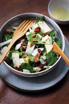 On se raccroche encore un peu au beau temps avechellip Poke Bowl, Palak Paneer, Vegetable Recipes, Feta, Good Food, Food And Drink, Lunch, Cheese, Vegetables