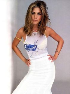 Jennifer Aniston dishes on Vince, Clive and her sexy little house Jennifer Aniston 90s, Peinados Jennifer Aniston, Jeniffer Aniston, Jennifer Aniston Pictures, Jennifer Aniston Hair Friends, Rachel Green, Lysandre Nadeau, Nancy Dow, Style Icons Inspiration