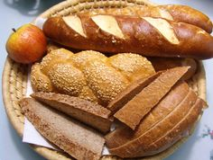 Wide Selection of German Bread - find German recipes @ www.mybestgermanrecipes.com