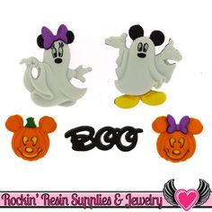 Disney Mickey and Minnie Halloween Ghosts Novelty Buttons Dress It Up Theme Pack Disney Halloween, Minnie Maus Halloween, Halloween Ghosts, Halloween Cards, Halloween Ideas, Country Halloween, Halloween Scrapbook, Halloween 2016, Disney Buttons