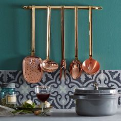 Perfect copper kitchenware via onekingslane- copper, kitchen, luxury Vintage House, Objects Design, Copper, Home Decor Kitchen, Kitchen, Flat Design Ideas, Rustic Style, Onekingslane, Copper Lighting