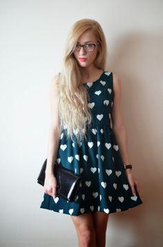 anetaaneta.pl - BLOG MODOWY, INSPIRACJE, STYLIZACJE: W CO SIĘ UBRAĆ NA WIGILIĘ? - PROPOZYCJA 1 - rozkloszowana sukienka