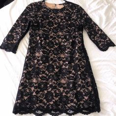 Cynthia Steffe Scalloped Hem Lace Shift Dress This is the Black Vida Scalloped Hem Lace Shift Dress from Cynthia Steffe. In great condition, like new condition. Only worn a few times. Cynthia Steffe Dresses Long Sleeve