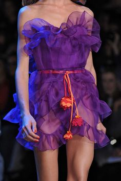 Christian Dior at Paris Fashion Week Spring 2011 - Details Runway Photos Christian Dior, Couture Mode, Couture Fashion, Orange And Purple, Shades Of Purple, Orange Color, Purple Fashion, High Fashion, Paris Fashion