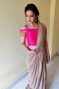 off shoulder blouse saree sleeve Golden Blouse Designs, Fancy Blouse Designs, Bridal Blouse Designs, Blouse Designs Catalogue, Sleeves Designs For Dresses, Sleeve Designs, Saree Blouse Neck Designs, Stylish Blouse Design, Photos