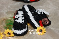Baby Turnschuh mit Motiv von Die Sandfrau auf DaWanda.com