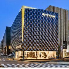 A Givenchy anuncia a inauguração de sua nova boutique, que abriu as portas em Seul.