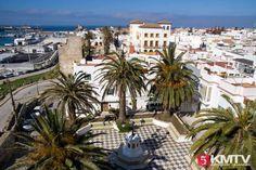 Tarifa Kitesurfen – Kitereisen in die Windhauptstadt Europas Surfing, Mansions, House Styles, Bag, Europe, You Are Wonderful, Places, Mansion Houses, Purse