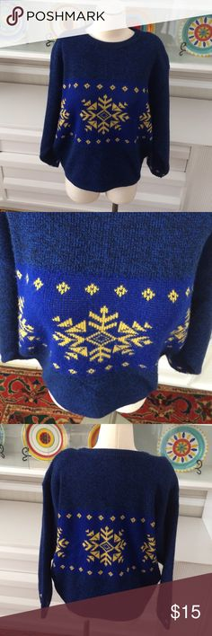 """Vintage Benneton snowflake sweater 1980s sweater, shoulder pads, can remove.  Some piling.  Made in Italy. Measures 25"""" long and 24"""" armpit to armpit United Colors Of Benetton Sweaters Crew & Scoop Necks"""