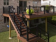 Choose different composite deck and railing colors to see how it will all look together. Use Fiberon's Outdoor Living Visualizer tool and find out. Outdoor Stairs, Deck Stairs, Deck Railings, Railing Ideas, Pergola Ideas, Deck Railing Kits, Black Railing, Black Deck, Pergola Plans